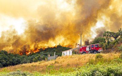 南加州秋季山火頻發:保護家園,房屋保險必備知識